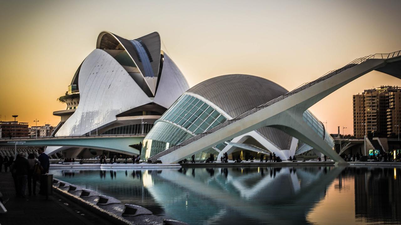 La Comunidad Valenciana se llena de tradición e innovación el 9 de Octubre