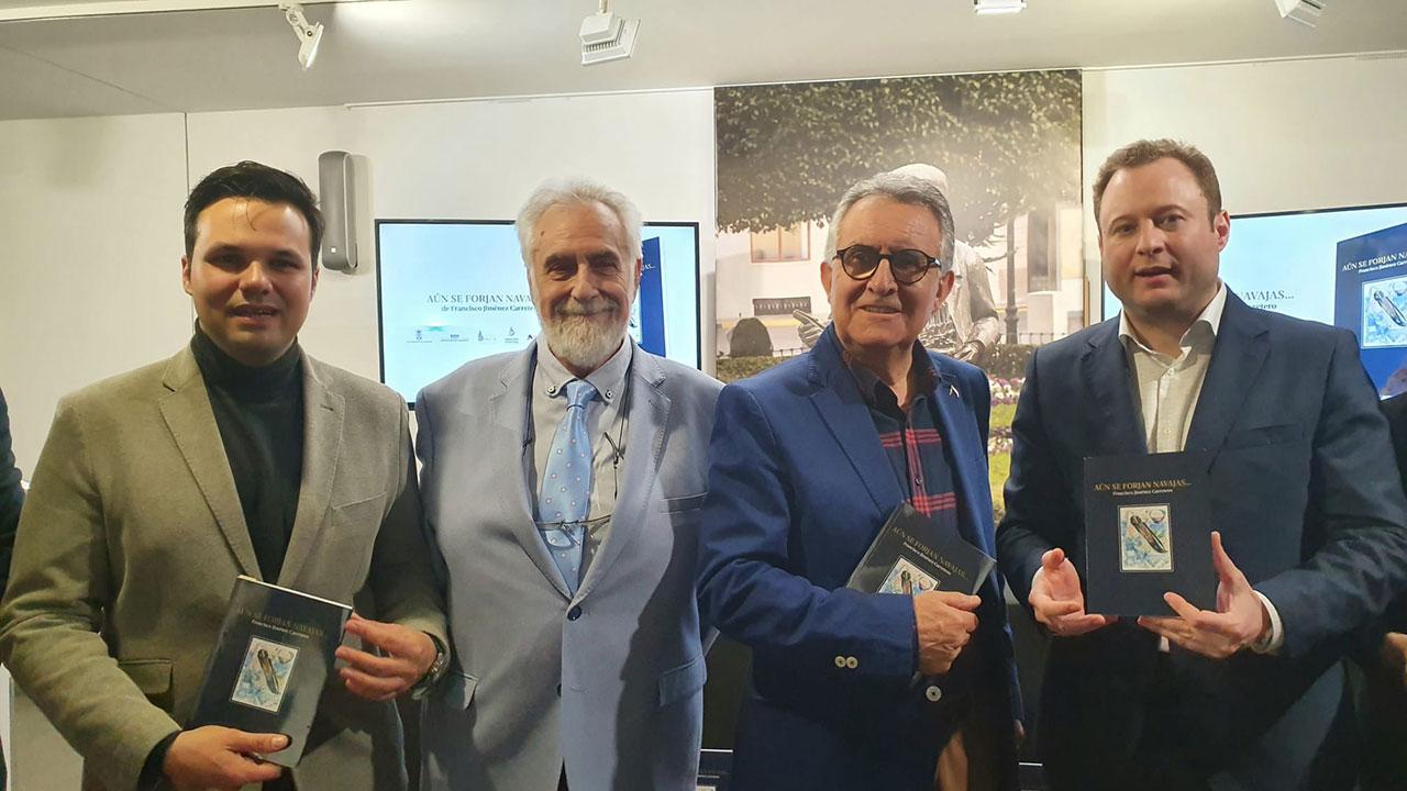 Presentación del poemario 'Aún se forjan las navajas' del barrajeño Francisco Jiménez Carretero