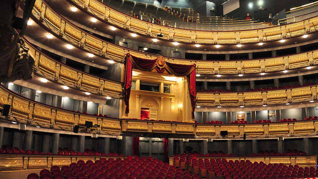 Amithe reconocerá la trayectoria de José Luis Gómez y la conservación del Teatro Real de Madrid durante su gala del 29 de septiembre