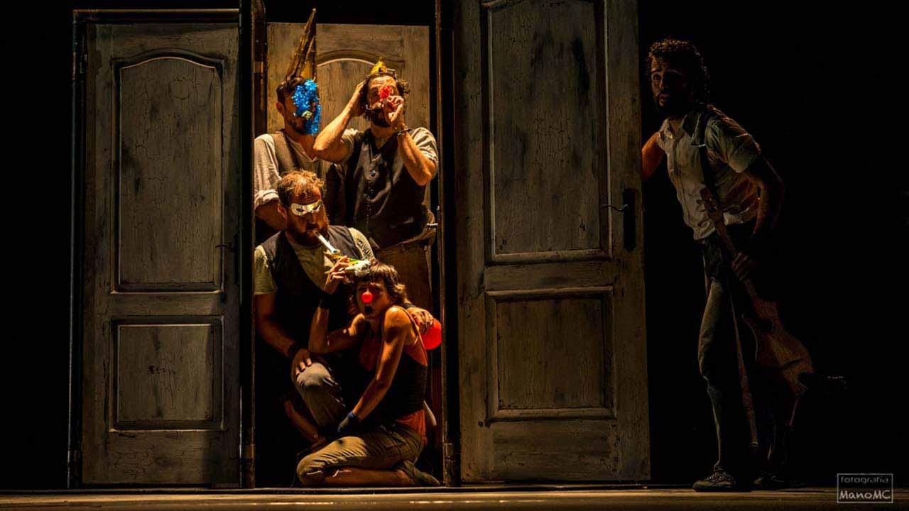 Circo, música y puertas con ''Emportats'' en el Teatro Circo de Murcia