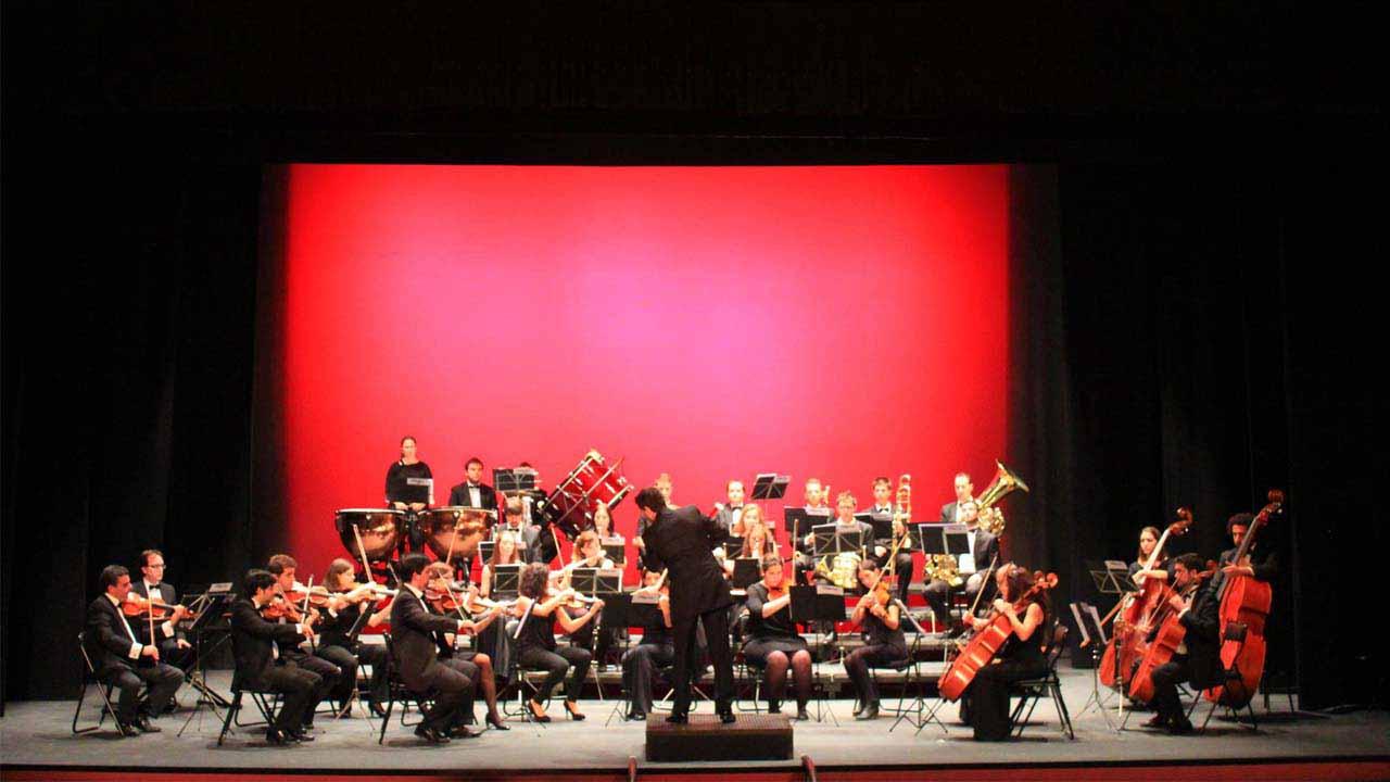 La Orquesta Filarmónica de La Mancha celebra su décimo aniversario en el Teatro Quijano de Ciudad Real